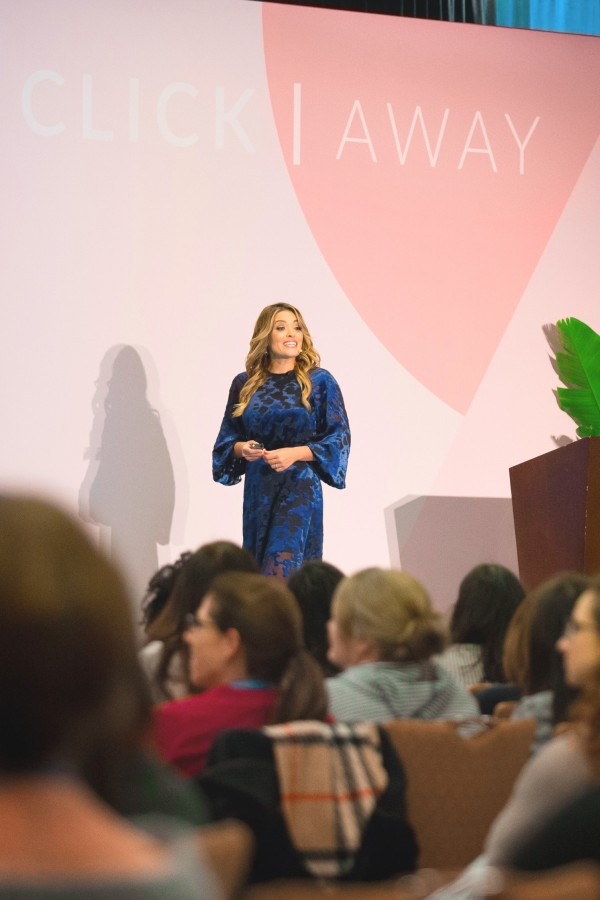 Click-Away-2019-Jasmine-Star-Giving-Day-Two-Photography-Keynote