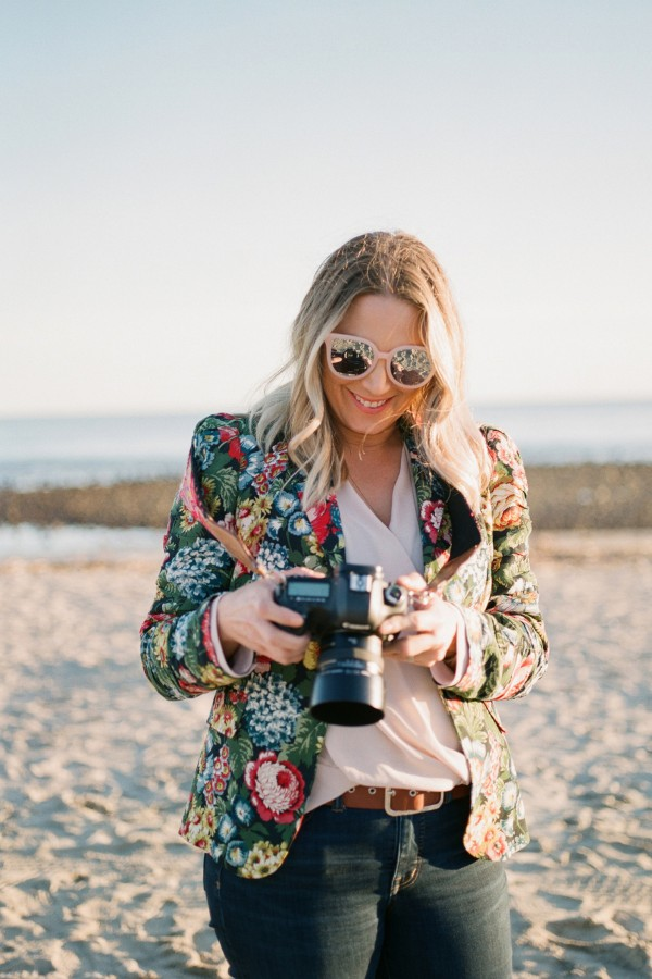 Click-Away-2019-Woman-at-Photography-Boutique-Program-Session